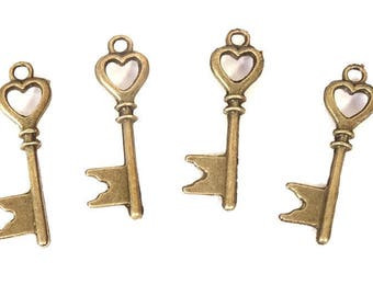 10 flag 28x8mm bronze wedding vintage key-23 metal heart key charm