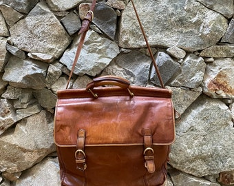 lined Briefcase Tilley Real Calf scratched faded cracked Vintage Black Leather Satchel clean interior Made in Canada Perfectly worn