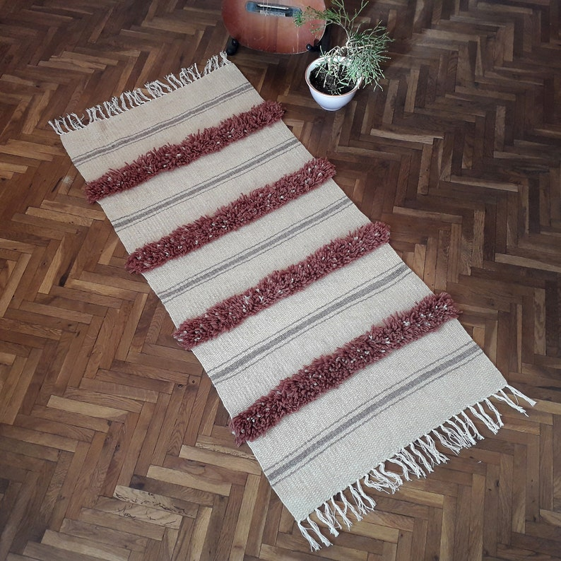 Striped Hand Tufted Throw Rug  White Striped Accent Rug  image 0