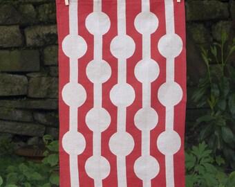 Linked Circles Tea Towel - Red