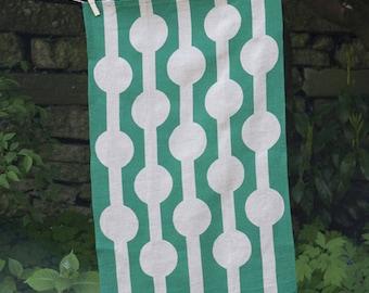 Linked Circles Tea Towel - Green