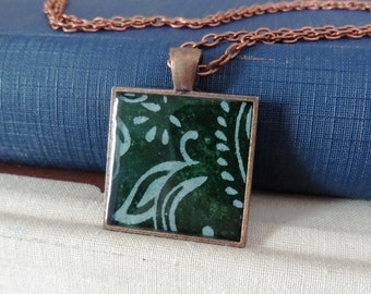 Pattern Necklace / Green & White Necklace / Handmade Paper Necklace / Resin Necklace / Resin Pendant Necklace / Fairtrade Paper Necklace