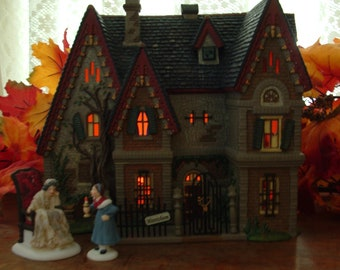 Village Accessory Department 56 New England American Gothic Lit Building Figurine Set of 2 Multicolor