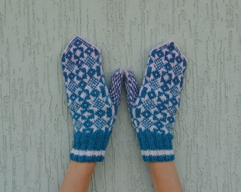 Blue grey white hand knitted mittens.Knit patterned mittens Blue mittens