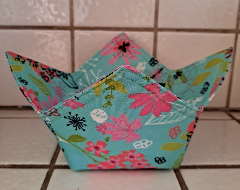 Microwavable Reversible Bowl Holder Cozy Abstract Flowers