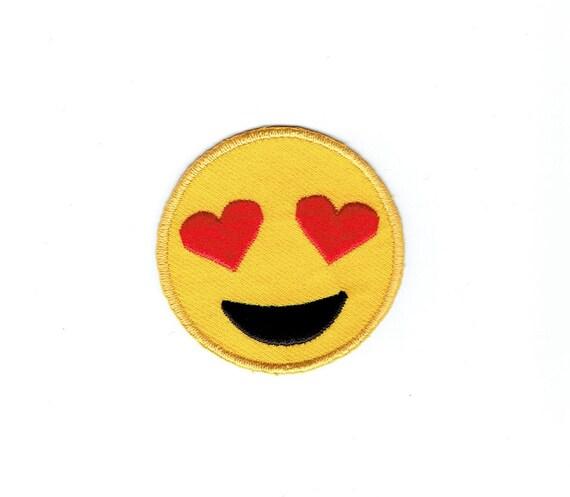 Den smiley augen herzen in mit 😍 Lächelndes