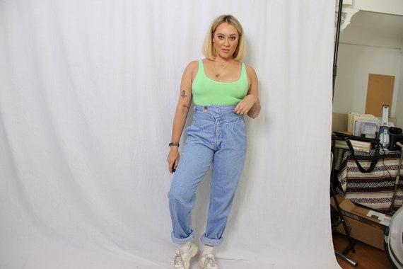 pleated wrangler jeans