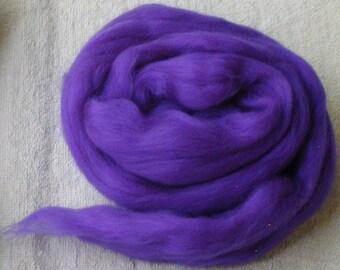 4 ounces Merino-Silk Wool Roving  Combed Top  Wool in Aries