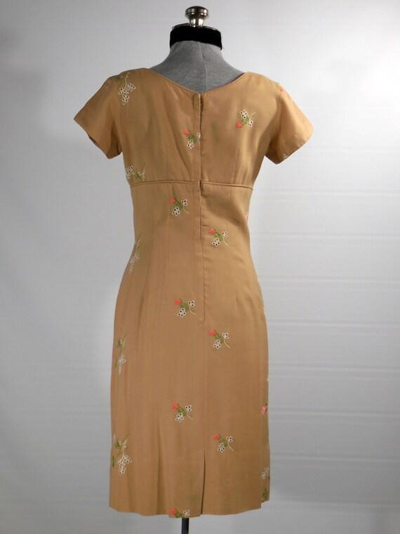 day cocktail waist Vintage petite short embroidery beige dress sleeve small cut 1960s work empire linen dress size qwOOXt4T