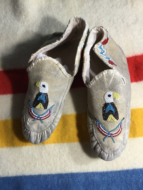 Mocassins Amérindiens antiques chaussons adultes caribou à la main de de de perles en verre perles Athabaskan Athabaskan tribu Alaska taille large Xlarge | Caracteristique  8f825a