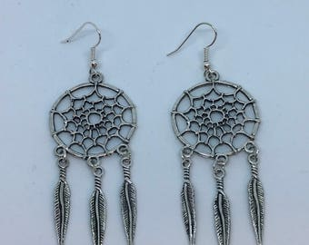 Silver tone dreamcatcher earrings tribal boho gift