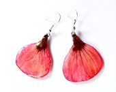 Natural flower jewelry, poppy red petal earrings, tie dye beauty of Nature to wear, gift for woman for Christmas or St. Valentin