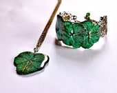 Emerald green jewelry, pressed flower set, bracelet and pendant resin Jewellery Set floral bangle set for her natural plant gift accessories