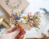 Meadowy wedding hair comb Flower bridal hair comb with baby's breath Pastel wedding comb with daisies Magaela accessories