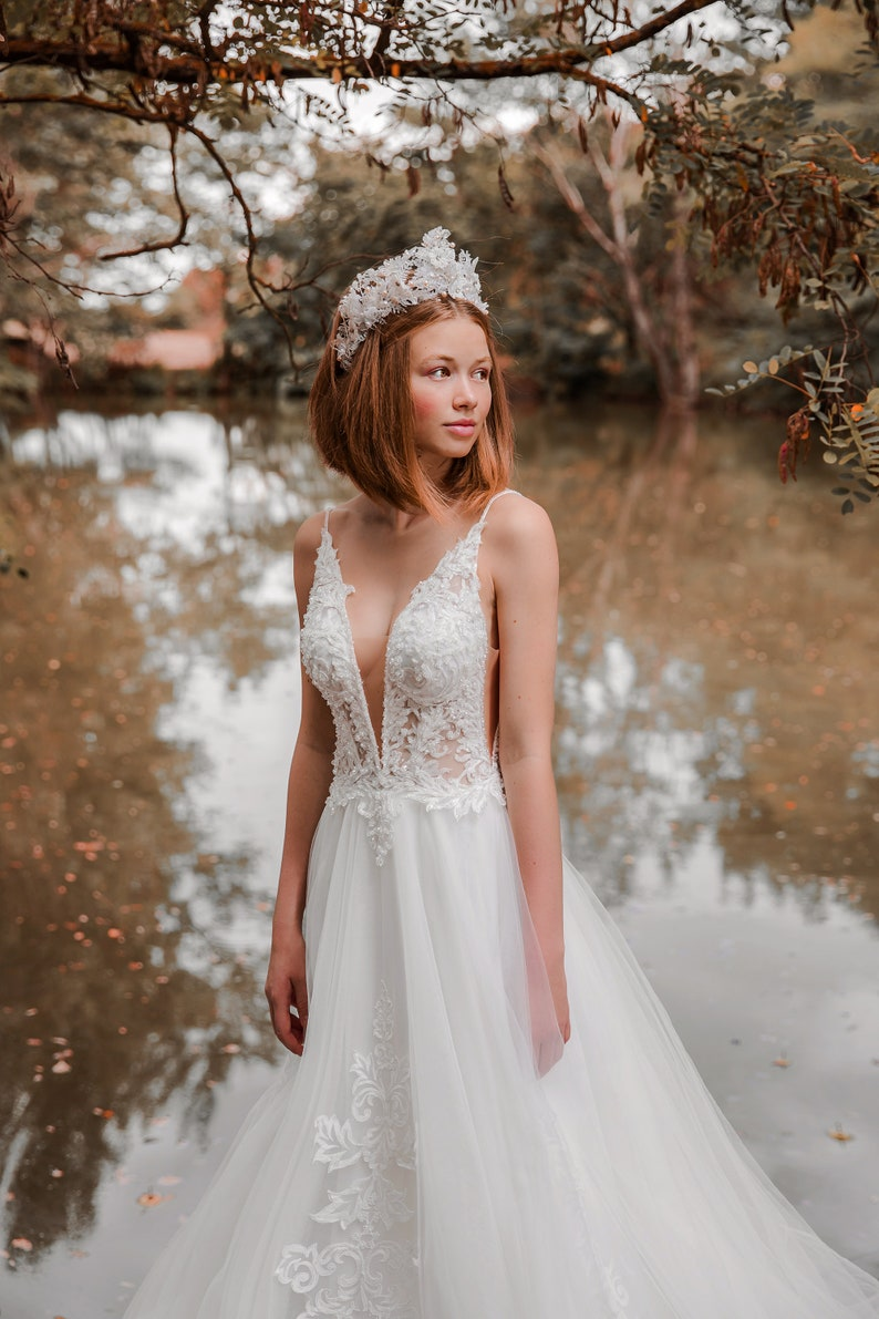 Silver and white wedding crown Wedding wreath Floral crown Floral accessories Wedding hair wreath Bridal accessories magaela Handmade crown