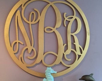 Wooden monogram door hanger//SINGLE custom Initial//decor//wedding gift//letter