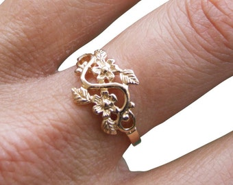 Gold Ring, Flower Ring, Floral Ring, Leaf Ring, Blossom Ring, Band Ring, Gold Plated Ring