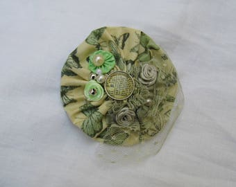 "brooch ""yoyo"" for clothing or bag"
