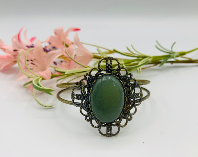 Green Aventurine Cuff Bracelet - Antique Brass Bracelet - 8inch Cuff Bracelet - Boho Bracelet - Boho Jewelry