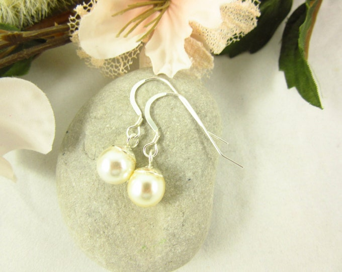 Sterling Silver Cream Pearl Dangle Earrings/Handmade Earrings/Delicate Earrings/Simple Earrings/Wedding Jewelry