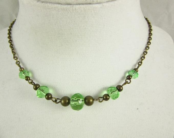 Green Glass Bead Choker Necklace/Green Choker/Green Necklace/15inch Choker/Handmade Choker/Antique Brass Choker/Boho Jewelry/Modern Jewelry