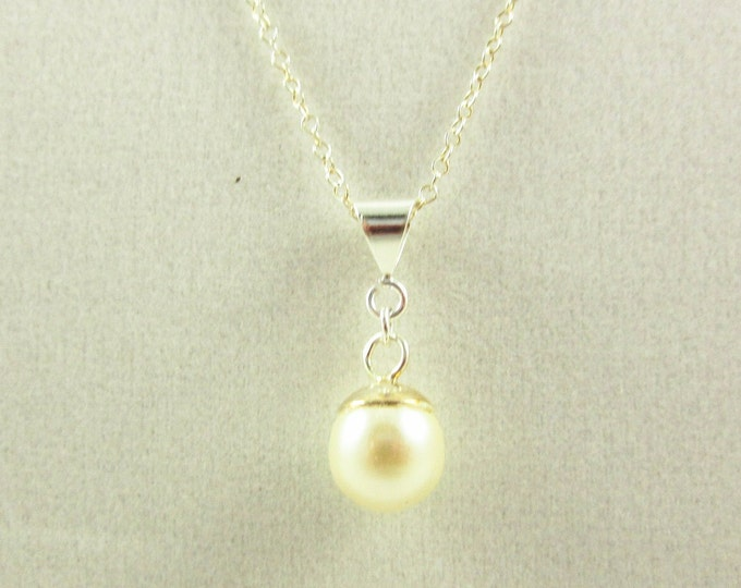 Sterling Silver Cream Pearl Pendant Necklace/18inch Necklace/Handmade Necklace/Delicate Necklace/Simple Necklace/Wedding Jewelry