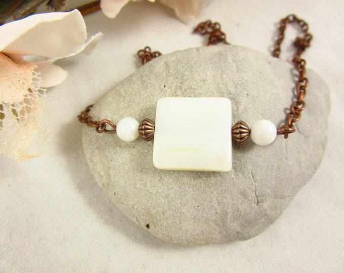Mother of Pearl Choker Necklace/Pearl Choker/Pearl Necklace/15inch Choker/Handmade Choker/Antique Copper Choker/Boho Jewelry/Modern Jewelry