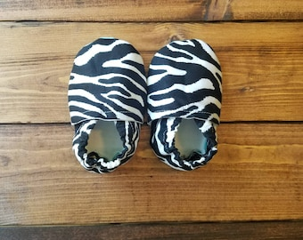 0-6 month baby shoes, zebra print baby fabric moccasins, baby girl crib shoes, infant baby booties | FREE SHIPPING