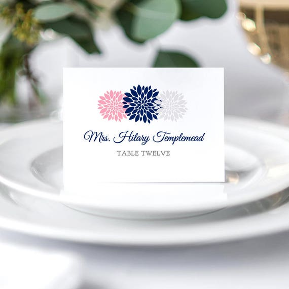 Flower Table place name cards printable template. Easily change all colours. Flowers. Flat and folded included. Edit in WORD or PAGES