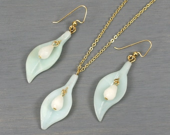Amazonite leaf-shaped necklace and earrings set with snow quartz faceted teardrops