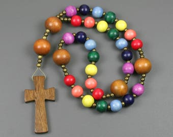 Anglican rosary with wood beads and cross in rainbow colors, LGBT pride prayer beads