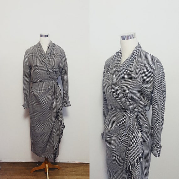 1970s Houndstooth Wrap Dress Size Small