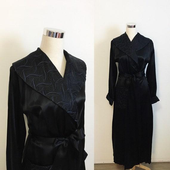1950s Femme Fatale Black Satin Robe | Vintage 50s