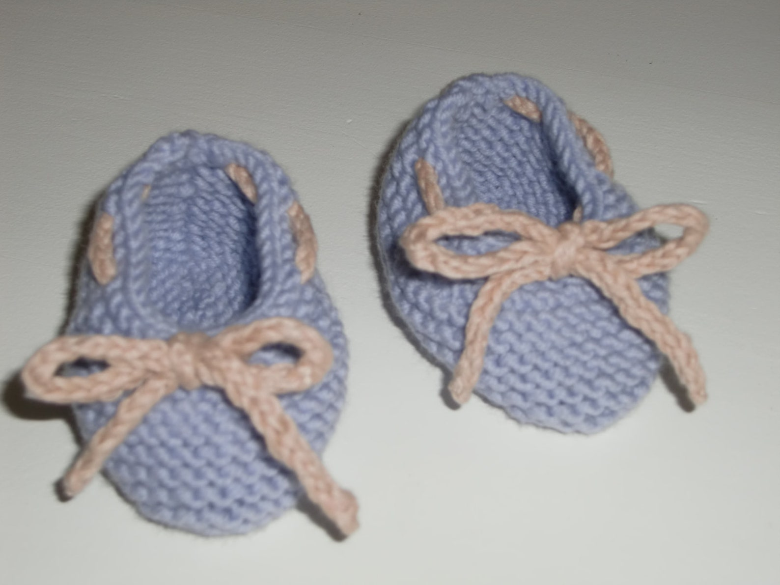 haf baby ballet shoes pdf knitting pattern in sizes newborn, 0-3 and 3-6 months