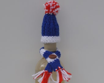 New York Giants hat and scarf bottle cosy set
