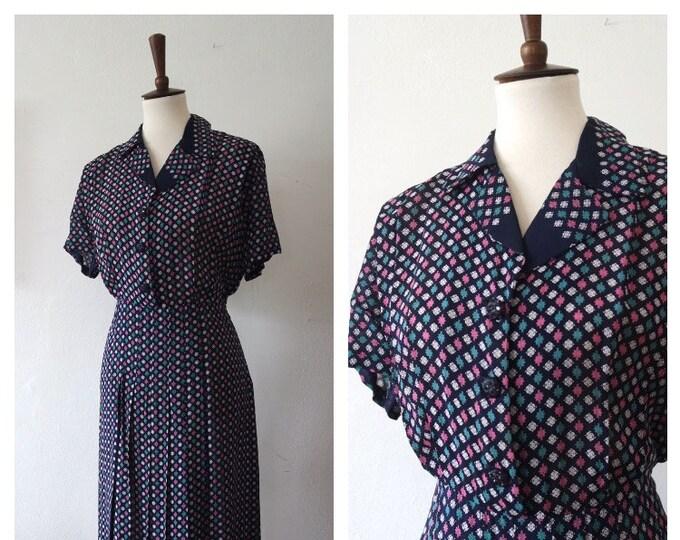Vintage 1940s Navy Blue Silk Novelty Print Day Dress - 40s Pleated Day Dress - 40s Style Dress - Size Large