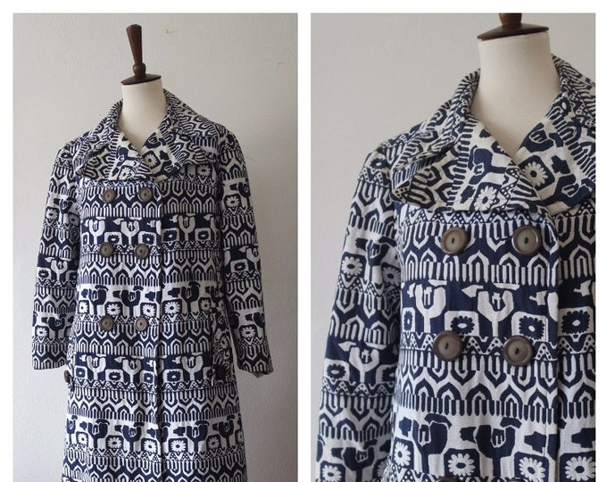 Vintage 1960s White Navy Blue Novelty Print Lightweight Spring Jacket - 60s Cotton Double Breasted Jacket - Size Small/Medium