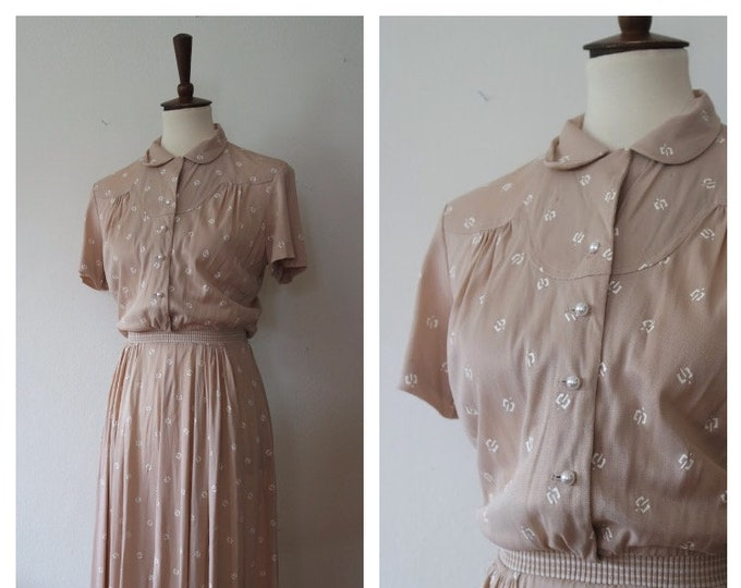 Vintage 1940s Beige Rayon Jersey Novelty Print Day Dress - Knit Fabric Panel Waist - 40s Day Dress - Size XSmall/Small