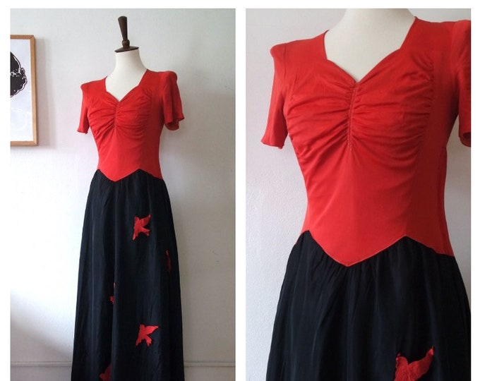 RARE 1930s Coral Rayon Jersey and Black Taffeta Bird Applique Gown - 30s Novelty Rayon Gown - Size Small/Medium