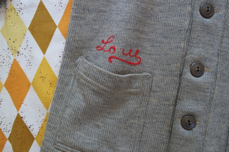 Spanish /'Siempre Amigas/' Patch Stripe Knit Sweater Size Small 20s Cardigan Vintage 1920s Gray Wool Knit Cardigan