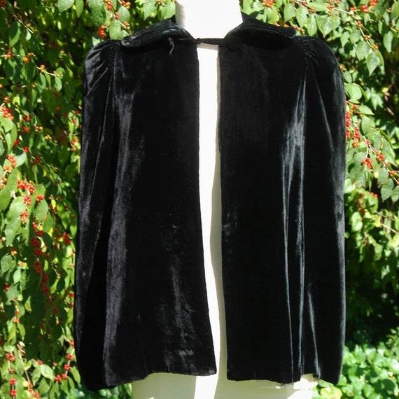 1930's Black Velvet Cape - image 10