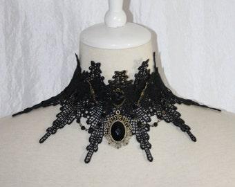 Embout collier [Astuce de caol] avec perles de verre et de la rose noire