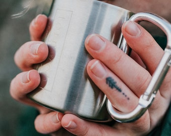 Fernweh UK Carabiner Mug, camping mug, adventure mug, travel mug, stainless steel mug, fernweh mug, steel mug, outdoor mug, camping supplies