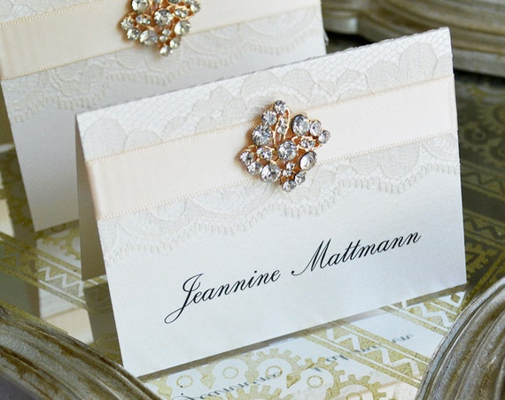Diamond Brooch Place Cards - Embellished Lace Place Cards for Vintage Wedding - Lace Escort Card - Tented Table Card - Gold or Silver Brooch