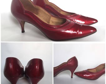 1950s Candy Apple Naturalizer Heels - Size 8AA - True Vintage