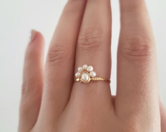 Pearl cluster ring, delicate ring, freshwater pearl ring, dainty ring, bohemian ring, vintage style ring, hammered pearl gold ring