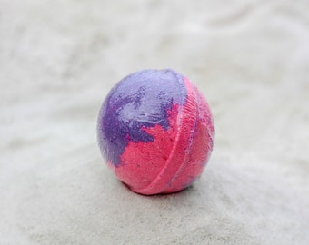 Black Raspberry Bath Bomb, 100% Natural, Bath Bomb, Bath Fizzer, Bath Fizzy, Bath Fizz, Epsom Salt, Bath Salt, Natural, Bath.