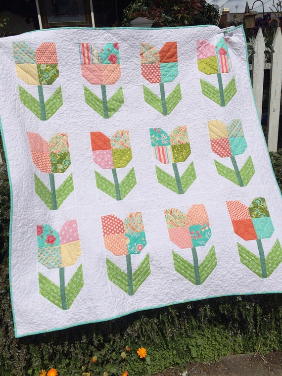 Totally Tulips Quilttulip Pattern Quiltquilts For Etsy