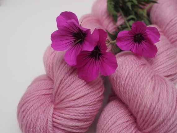Perfect Sweater DK Weight Superwash Merino Yarn - Strawberry Cream