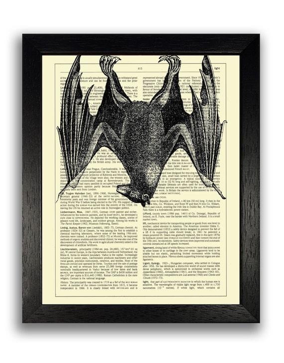 HANGING BAT Art Print, Halloween Wall Decor, Scary Poster Art, Vintage  Animal Artwork, Gifts for Boyfriend, Bat Poster, Cool Gifts for Men